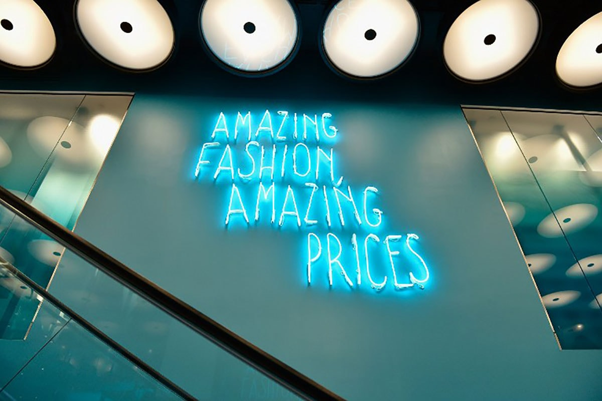 primark ethics Campaign groups around the world are rightly rounding on primark following the tragic collapse of one of their suppliers' factories in bangladesh last week which, at the last count, killed nearly 300 people.